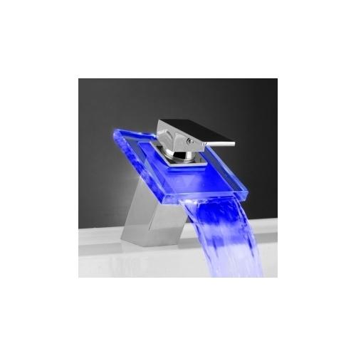 robinet mitigeur design cascade led 3 couleurs pas cher. Black Bedroom Furniture Sets. Home Design Ideas