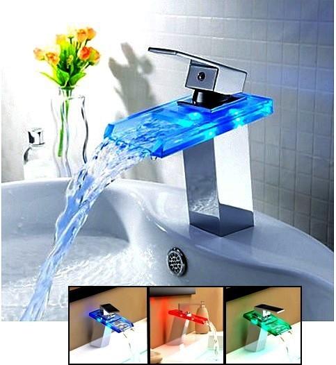 Excellent robinet mitigeur design cascade led couleurs for Robinet salle de bain design pas cher