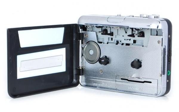 lecteur de cassette k7 audio convertisseur au format mp3 usb 1. Black Bedroom Furniture Sets. Home Design Ideas