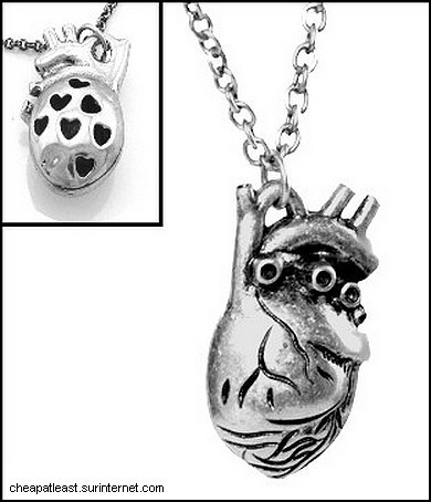 Necklace With Metal 3D Anatomical Heart pendant