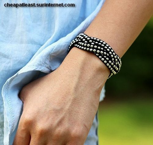 Bracelet Multi-Rangs - Cuir Et Clous / Rivets