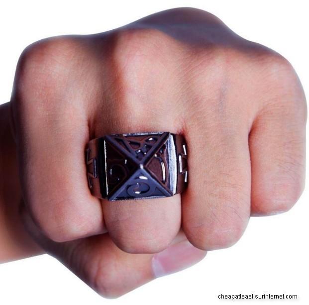 acheter populaire 64a38 0b487 1 Collier Bague De Combat Poing Américain Pyramide croix de Fer